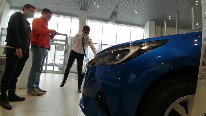 Автомобили решили выпускать без ЭРА-ГЛОНАСС из-за дефицита чипов