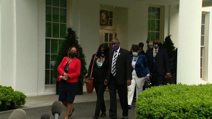 Семья Джорджа Флойда посетила Белый дом
