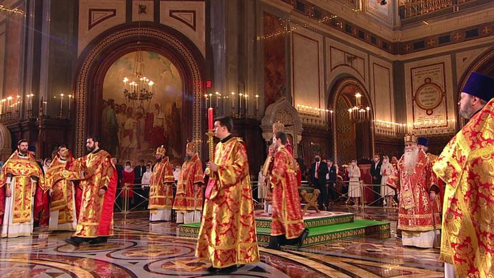 Православные празднуют Пасху – день Воскресения Христова – главный праздник христиан