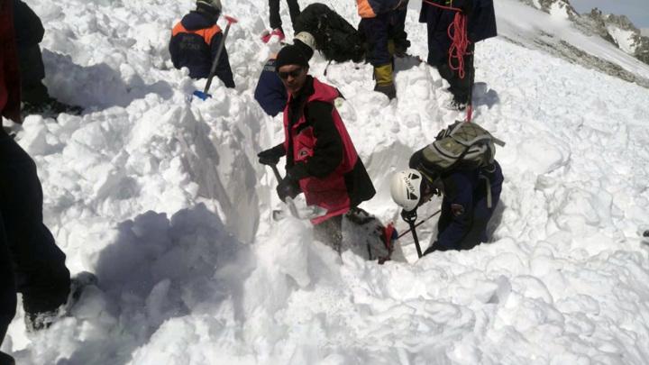 В результате схода лавины в Бурятии погибли трое туристов