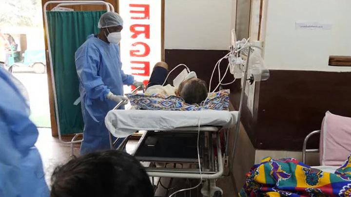 В Индии за сутки побит антирекорд смертности из-за COVID