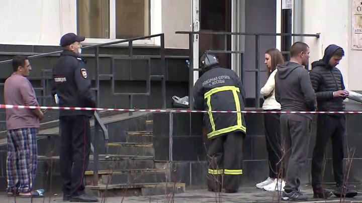 СК требует ареста двух обвиняемых по делу о пожаре в гостинице в Москве