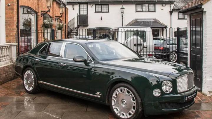 Bentley британской королевы продан иностранному покупателю