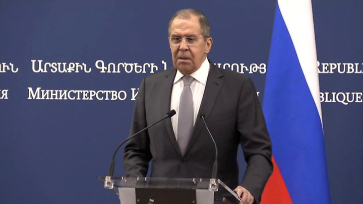 Лавров: Москва считает недопустимыми попытки насаждения тоталитаризма