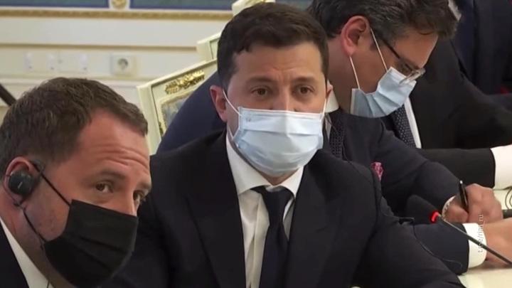 Русские везде: на встрече с Блинкеном Зеленского ужаснул перевод