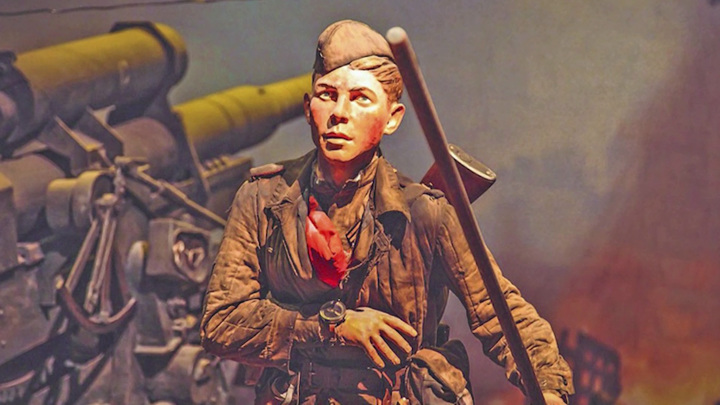 Его сапоги топтали крышу Рейхстага. История забытого кировского героя