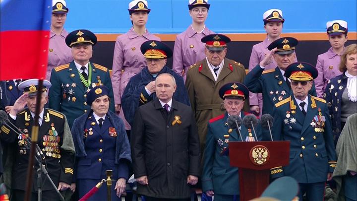 Владимир Путин прибыл на Красную площадь