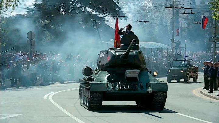 В Южном и Северо-Кавказском ФО прошли 10 военных парадов
