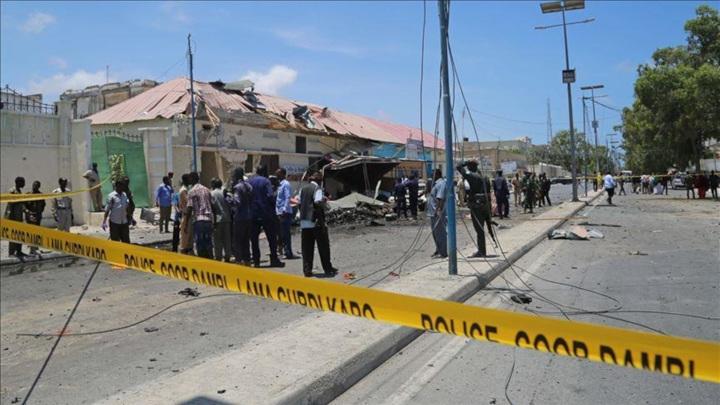 В Сомали автомобиль со взрывчаткой въехал в полицейский участок