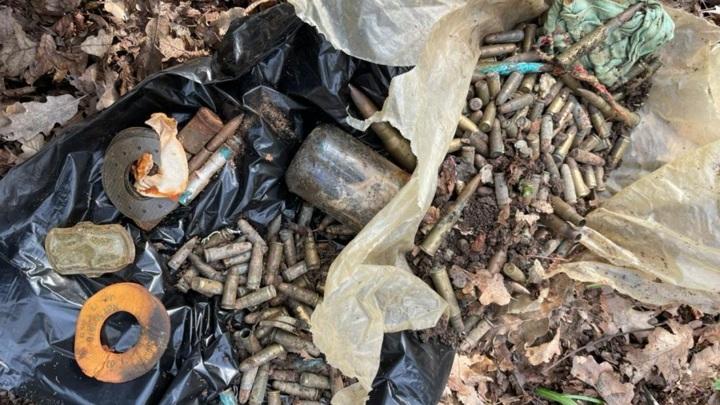 Пограничники в Крыму обнаружили схрон с боеприпасами из 90-х