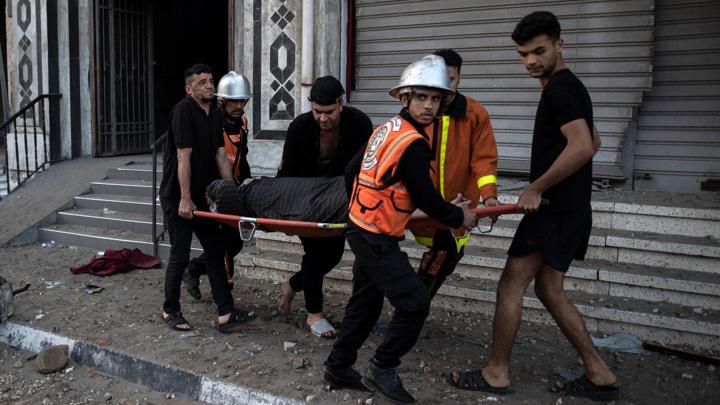 Десятки палестинцев стали жертвами обстрелов