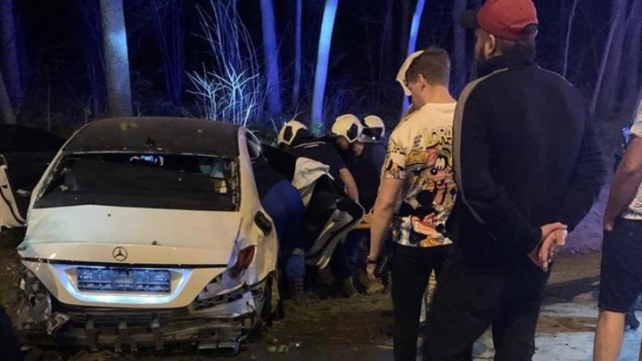 В Самаре в ДТП попали три автомобиля и пожарная машина