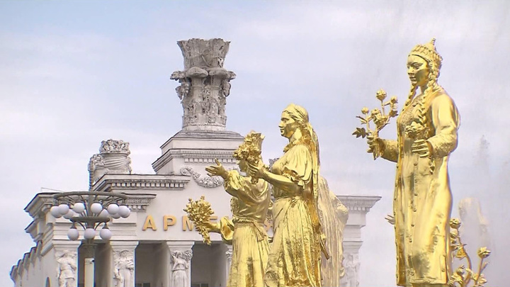 В шести парках Москвы заработали лодочные станции