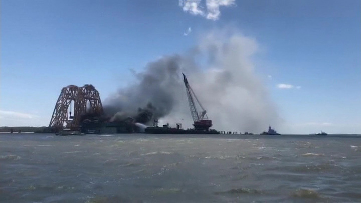 У побережья Джорджии в США горит грузовой корабль Golden Ray