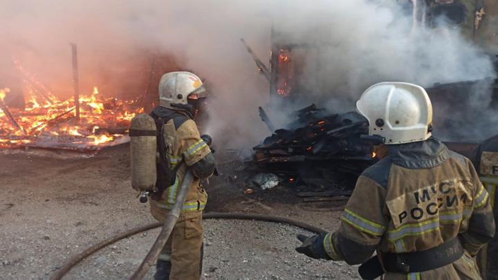 Увеличилась площадь пожара под Екатеринбургом