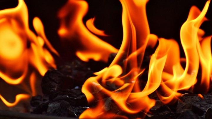 В Чебоксарах в пожаре погибла женщина и обгорел мужчина