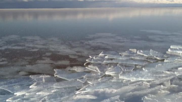 Сотрудники метеостанции сняли на видео пробуждение Байкала