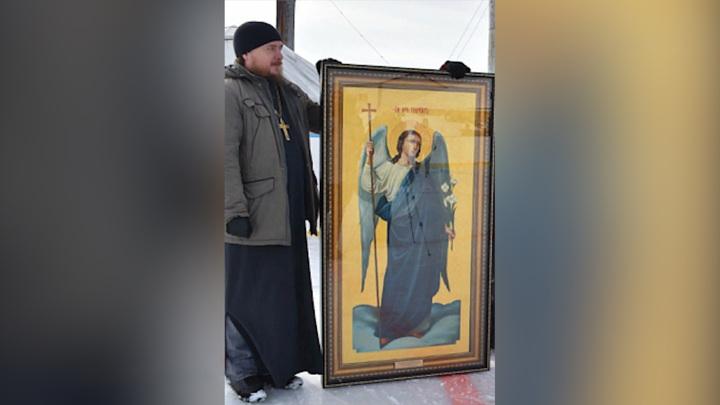 В башкирском селе на двери старого дома проявилась икона Архангела Гавриила