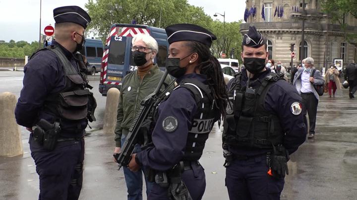 Протест французских полицейских: что заставило их выйти на улицы