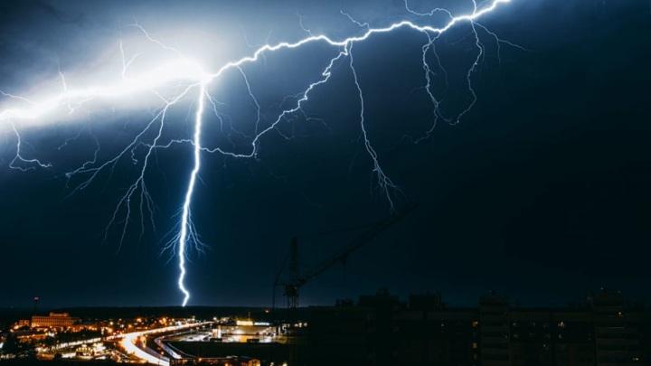 Сильный ветер, грозы и град прогнозируются в Костромской области