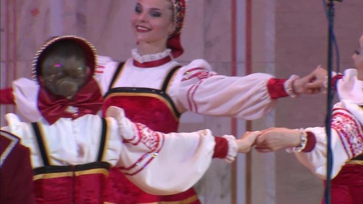 Воронежский русский народный хор дал большой концерт в Храме Христа Спасителя
