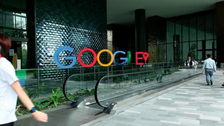 Роскомнадзор пригрозил Google, Facebook и Twitter оборотными штрафами