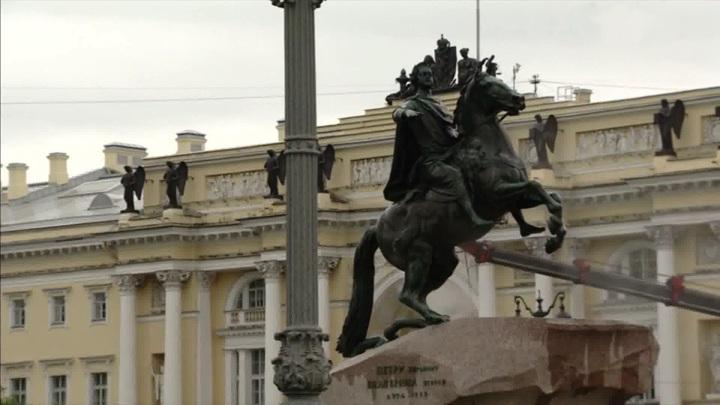 Неболее 75человек наконцерте: вСанкт-Петербурге вводят новые ограничения