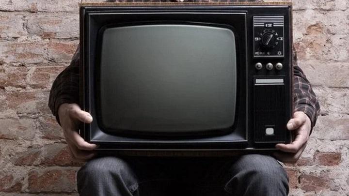 В окно за телевизором: жительница Новосибирской области забралась в чужой дом