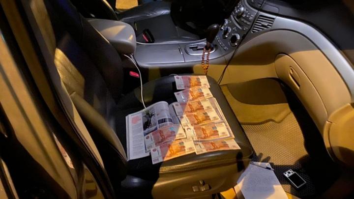 В Севастополе полицейского обвиняют в мошенничестве