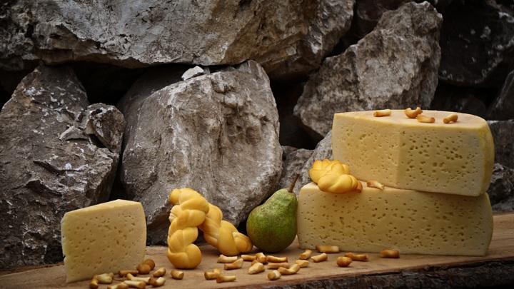 Власти Подмосковья помогут деньгами местным сыроварам