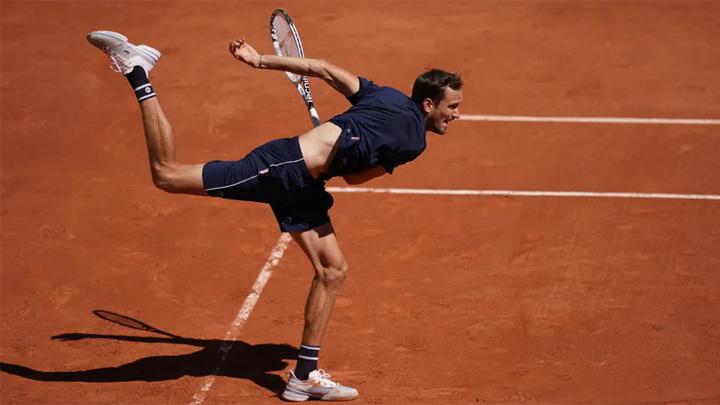 Медведев: в этом году великолепно чувствую себя на Roland Garros
