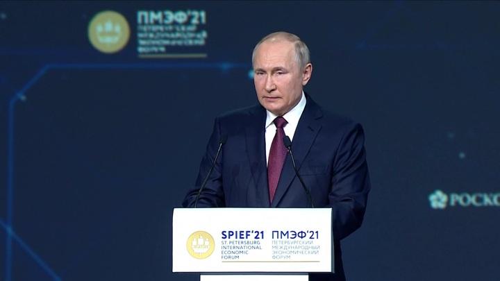 Путин: резко прекращать программу льготной ипотеки нельзя