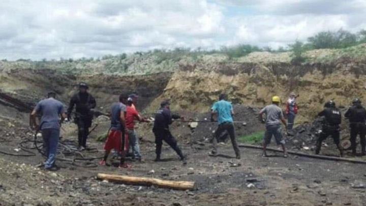 Обрушение шахты в Мексике: 7 человек оказались под завалами