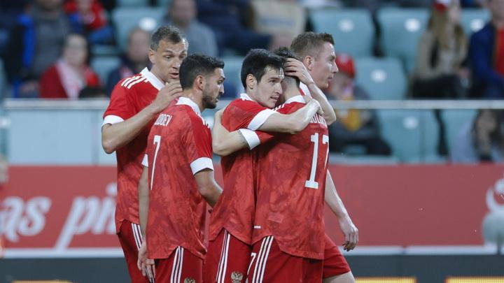 Сборная России по футболу победила команду Болгарии со счетом 1:0