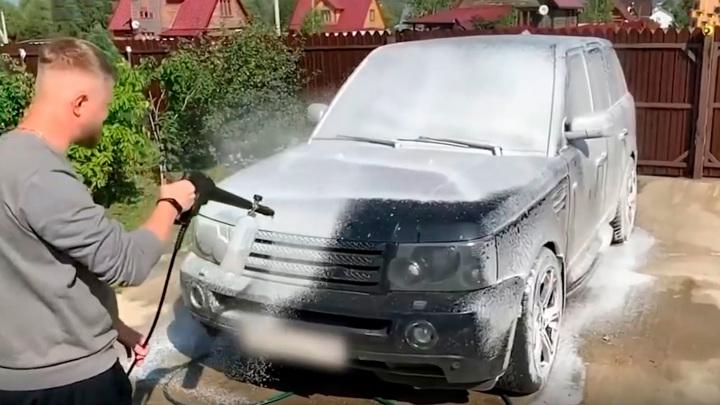 Ведрами эффекта не достичь: три ошибки при мытье машины