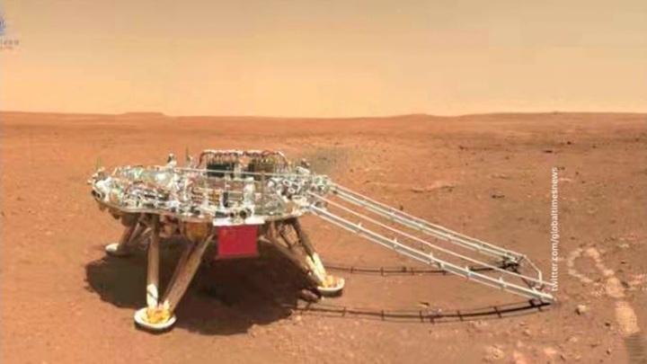 Высота китайского марсохода – 1,85 метра.