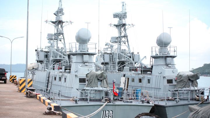 Американскому атташе отказали в свободном доступе на базу Реам
