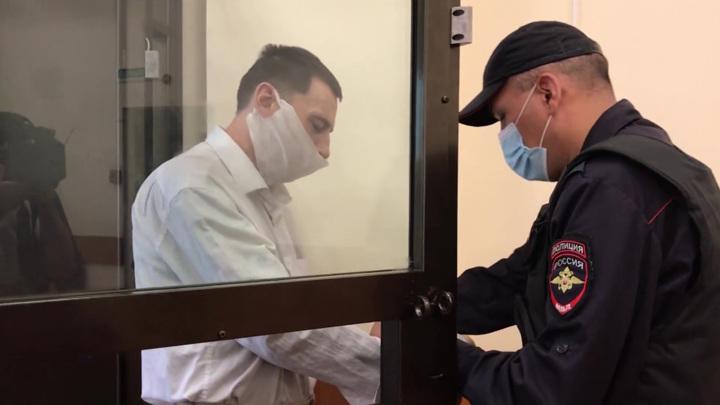 Изрезавший кассира в Уфе опасный рецидивист проведет 20 лет за решеткой