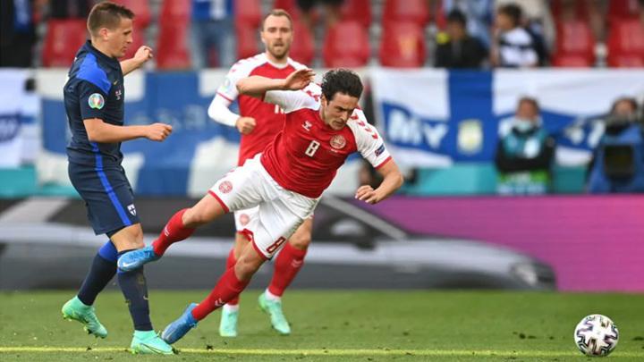УЕФА принял решение продолжить матч Дания – Финляндия