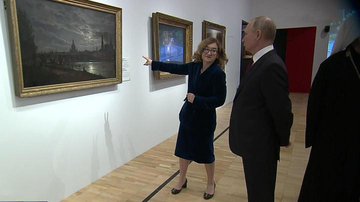 Путин побывал на выставке, посвященной 800-летию Невского