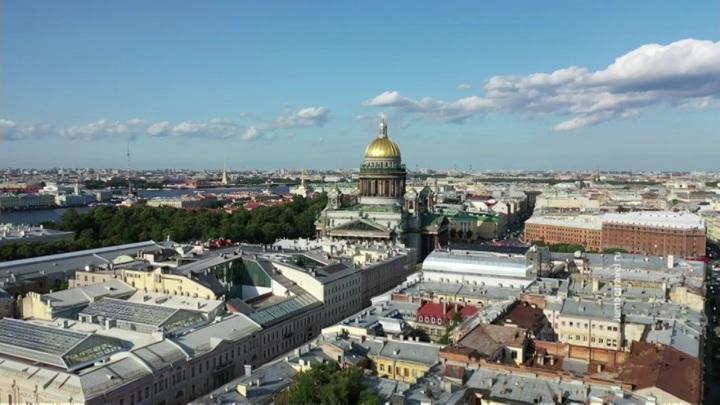 В РФ выявили 13721 новый случай заражения COVID-19