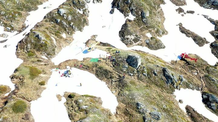Самолет и планер разбились в горах Швейцарии