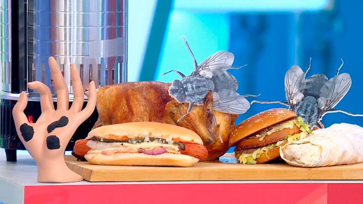 """Кадр из программы """"О самом главном"""". Осторожно, еда! Александр Мясников предостерег от покупки уличной курицы гриль"""