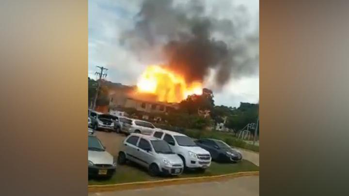 Заминированный автомобиль взорвался в Колумбии