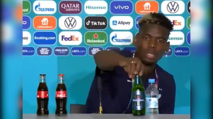 Руководство УЕФА запретило убирать бутылки спонсоров