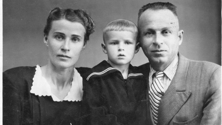 супруги Мусиенко Иван Андреевич и Екатерина Яковлевна с сыном Николаем