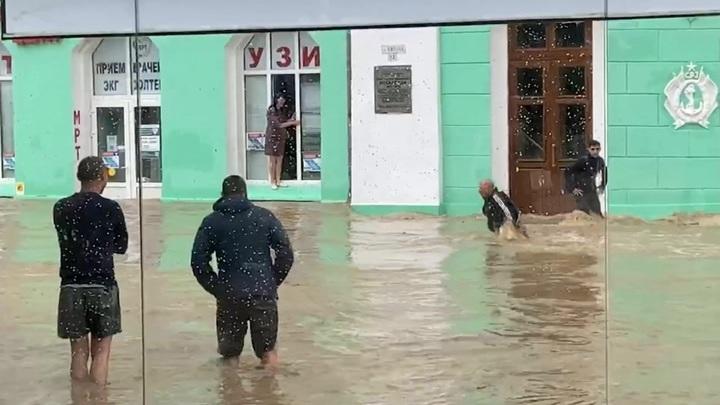 Около 90 домов подтоплены после продолжительных ливней в Ялте