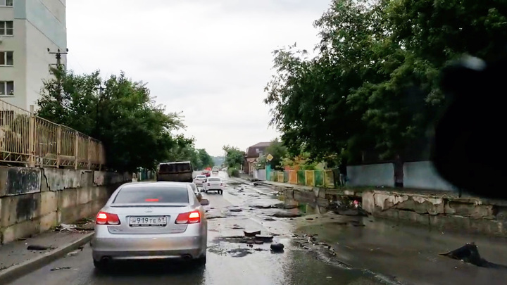 Затопленный Ростов: из-за непогоды в городе произошло более 176 происшествий