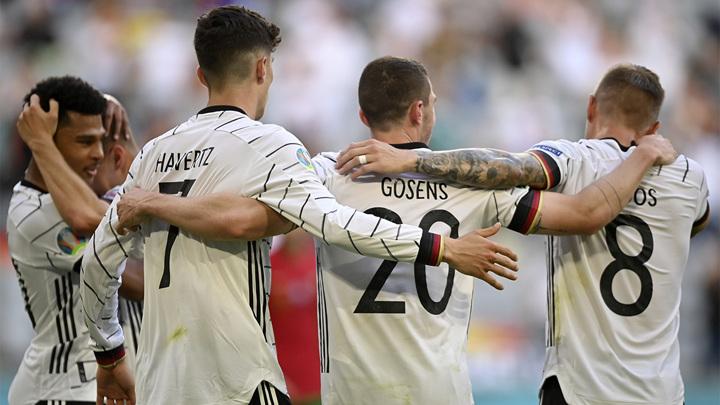 Два автогола Португалии помогли Германии добиться волевой победы