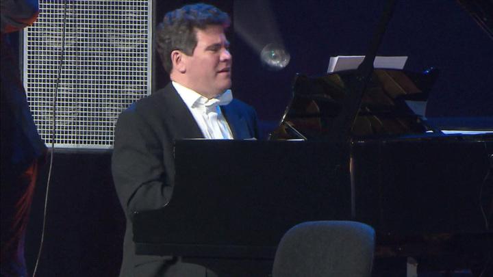Пианист Денис Мацуев дал концерт, объявленный юбилейным